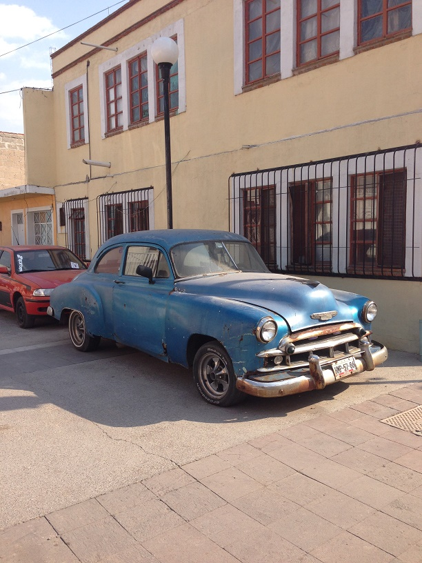 Cool old car in Tula that made me think of my Dad.