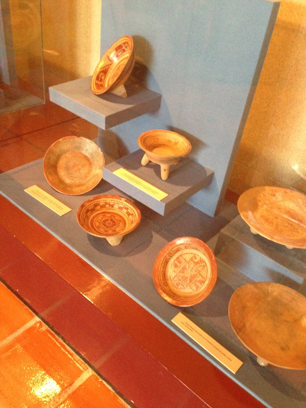 Toltec or pre-Toltec pottery in the museum. Photo by André.